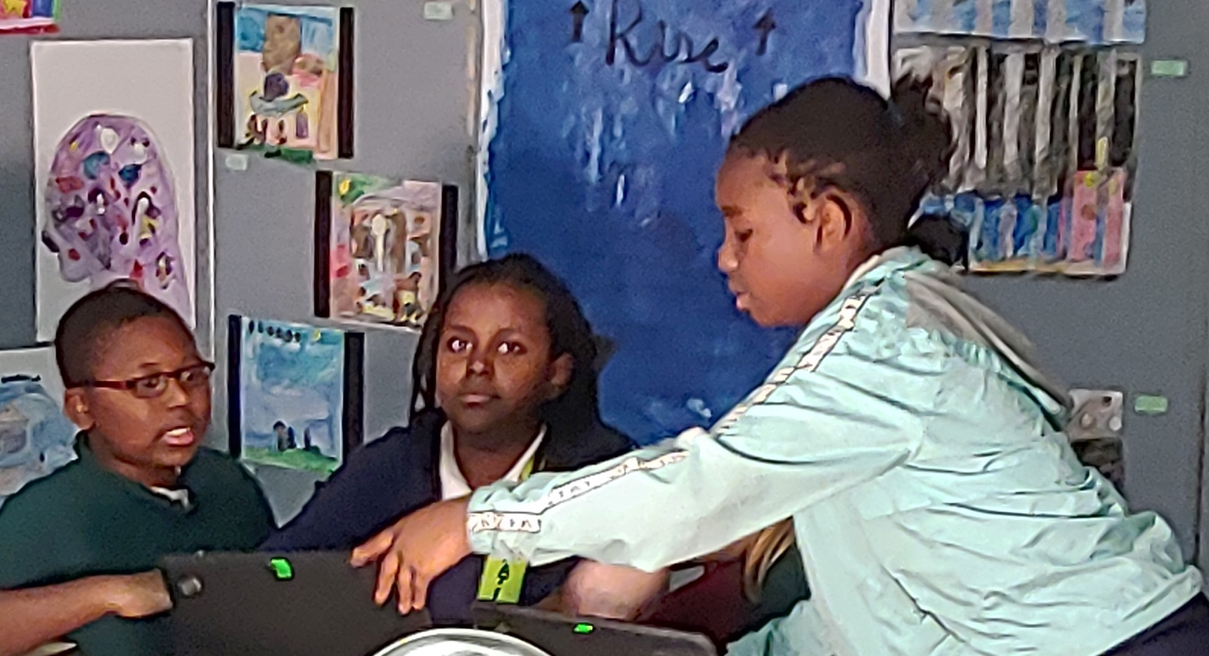 5th Grade Working on Presentations-5.jpg