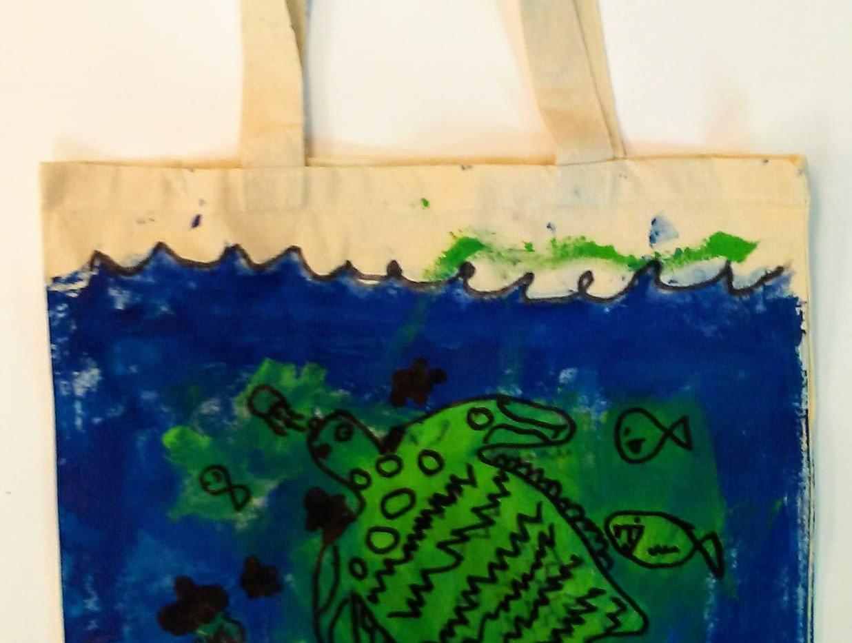 Rian_s Sea turtle Tote.jpg