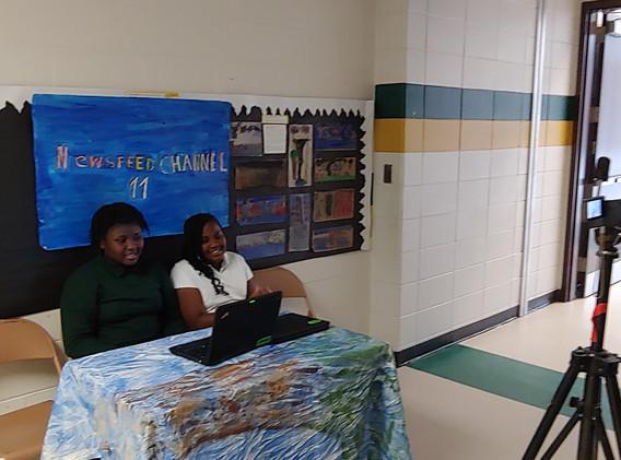 5th Grade Working on Presentations-2.jpg