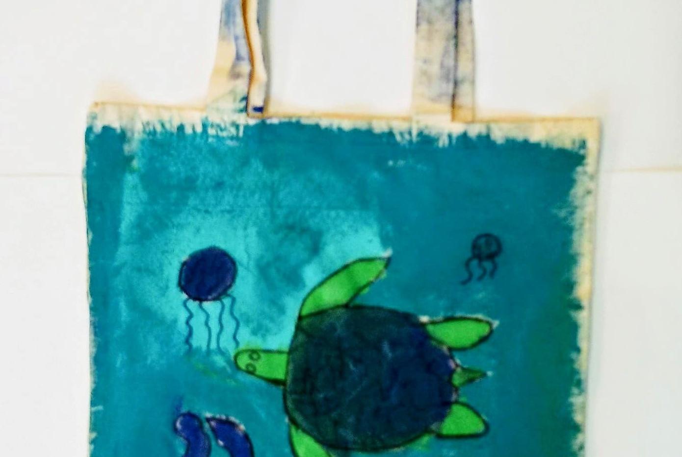 Kaleigh_s Sea turtle tote.jpg