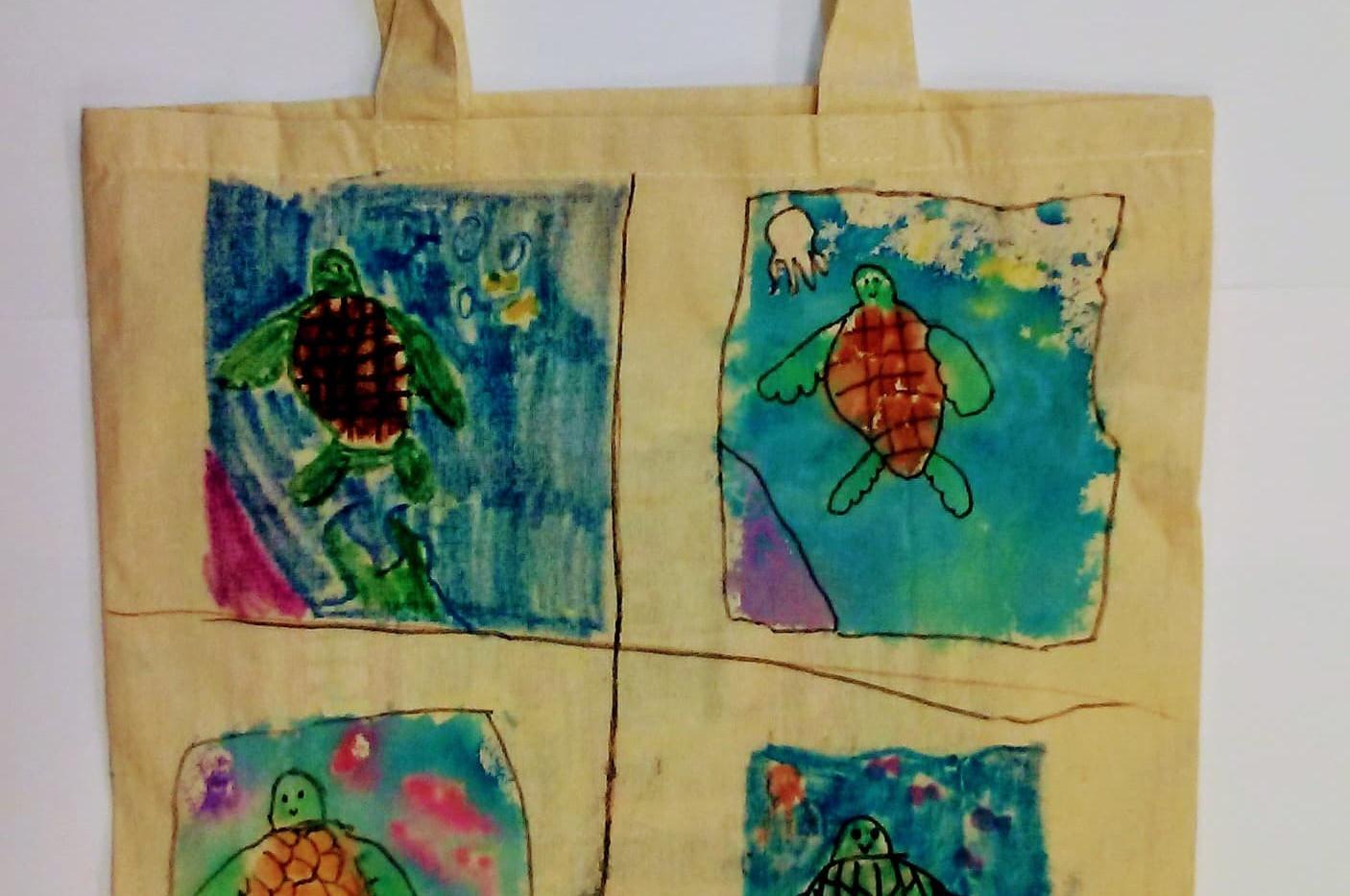 Marceyla_s Ssea turtle Tote.jpg
