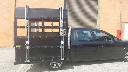 Glass rack for ute Holden