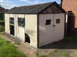 Asbestos garage (Before)