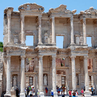 bigstock-Celsius-library-in-Efesus-near-