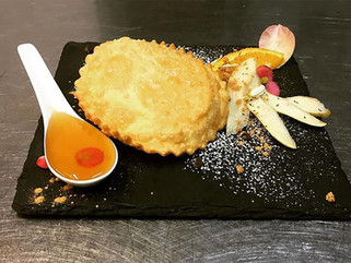 Chef Gianluca Urru: Sebadas (Seadas) al Miele Amaro di Corbezzolo
