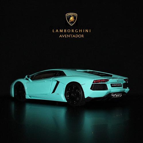 1:24 Lamborghini Aventador LP700 Sports Car