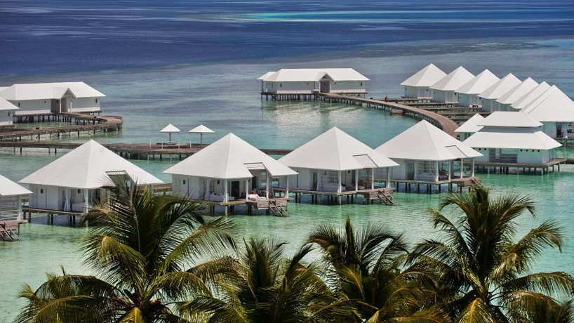 Diamonds Athuruga Beach & Water 4*