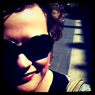 Nicoll Anna, street scene, sunglasses