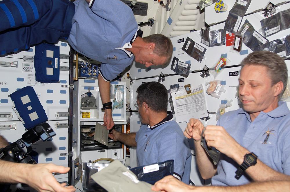 Relojes DW-5900 y DW-5600 usados en misiones espaciales NASA e internacionales