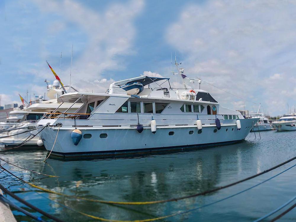 Yate de lujo gran eslora Benetti 90 en venta Sent-Yacht Barcelona