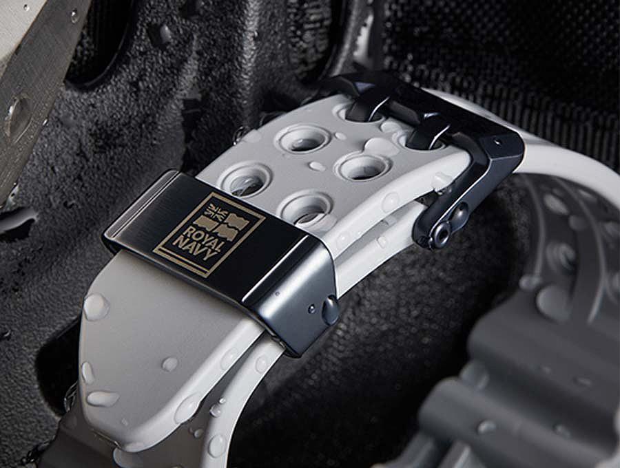 detalle-hebilla royal navy reloj casio g-shock frogman gwfa1000rn