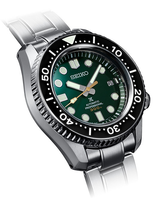Detalle caja y esfera reloj marinemaster 300m 140 aniversario sla047j1