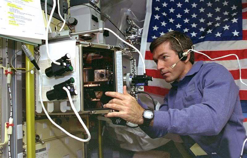 Reloj Casio G-SHock DW5600 en el espacio usan astronautas