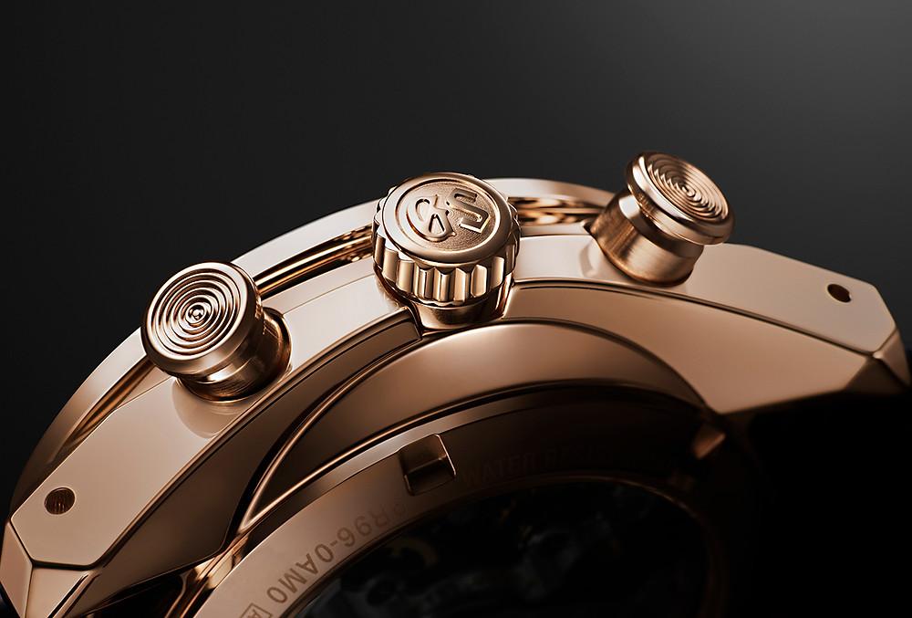 Detalle corona y pusladores reloj edicion limitada SBGC238