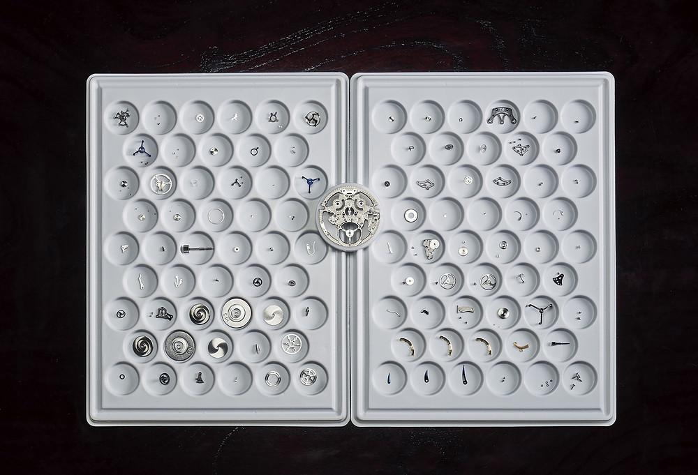 Calibre T0 antes de ensablarse por maestros relojeros Grand Seiko