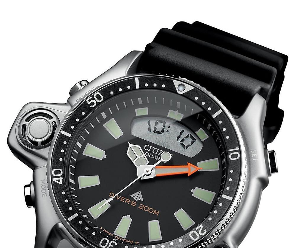 Citizen usa 10:10 AM en imagenes promocionales de relojes