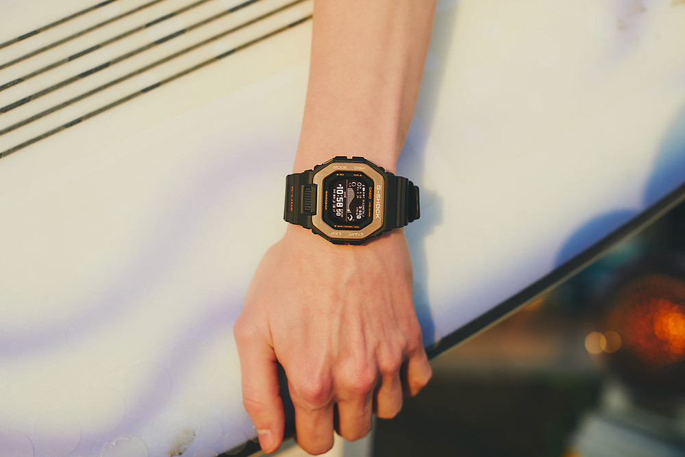 nevo reloj casio G-SHOCk GBX-100NS-4 detalle esfera lcd mip hd reloj