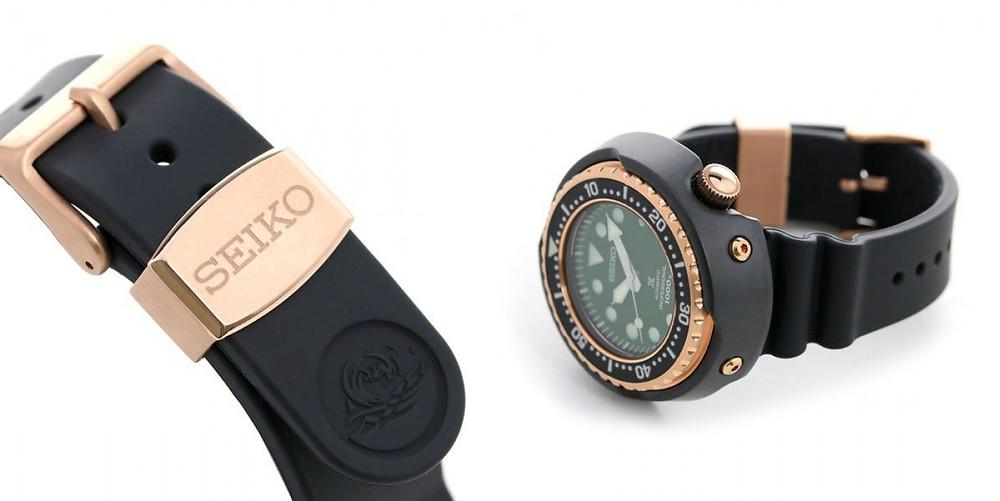 Detalle de correa y caja reloj automatico seiko tuna SLA042J1