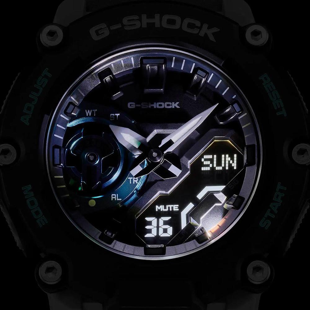detalle iluminacion esfera reloj ga-2200 de casio g-shock