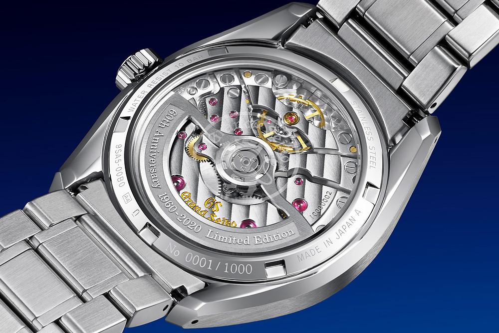 Detalle fondo transparente reloj 60th grand seiko y Calibre 9SA5 revolucionario