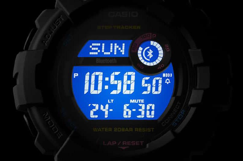 "Detalle LCD retoiluminado modelo ""mid size"" G-SHOCK serie GMDB800"