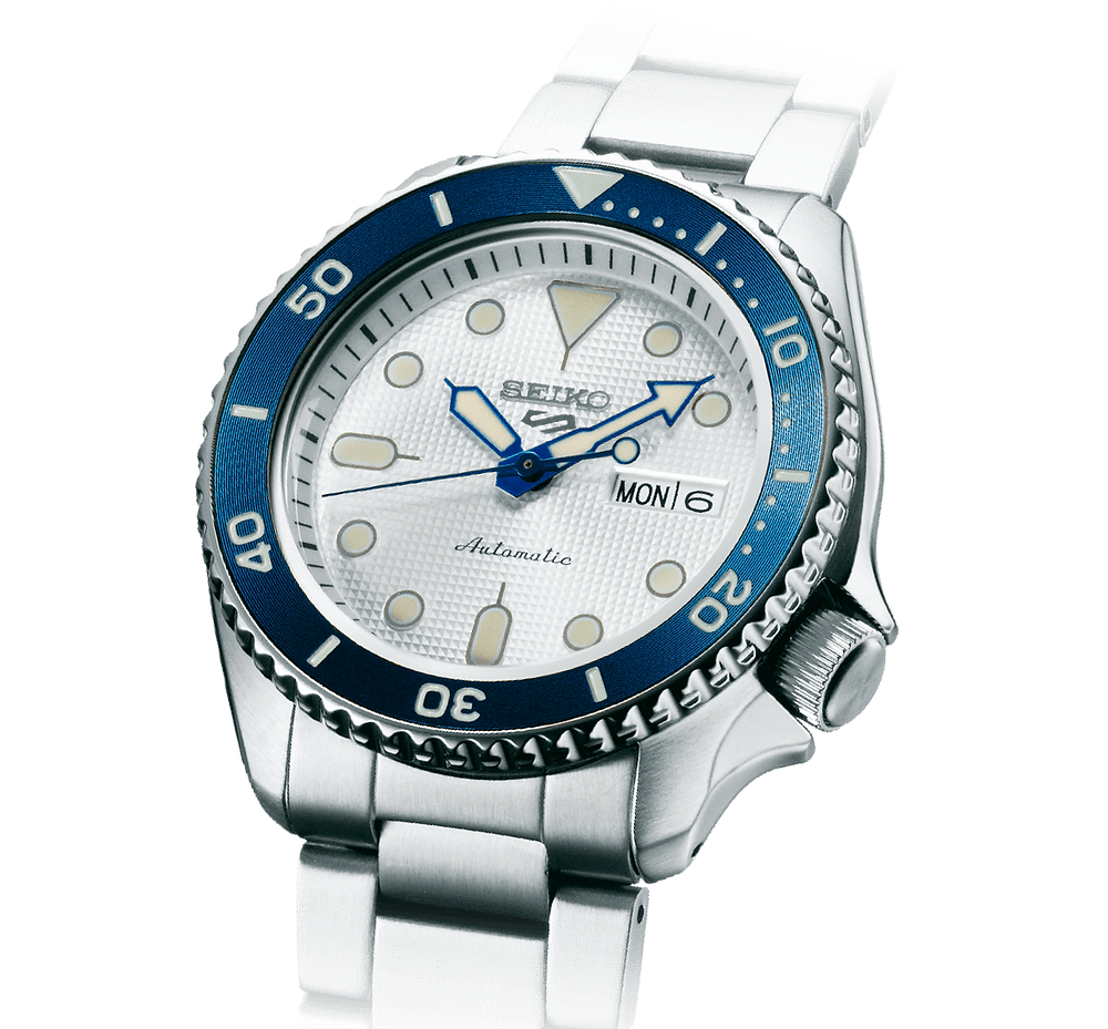 reloj edicion limitada seiko 5 Sports SRPG47 con esfera blanca