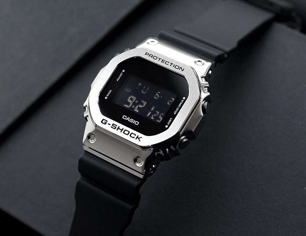 relojes squared de casio g-shock de dimensiones menores serie gm-s5600