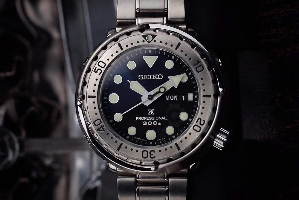 detalle cristal zafiro bisel acero reloj seiko prospex S23633J1