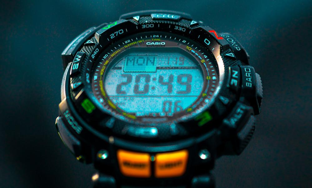 reloj aventura Casio ProTrek PRG240 Pathfinder triple sensor digital pantalla lcd