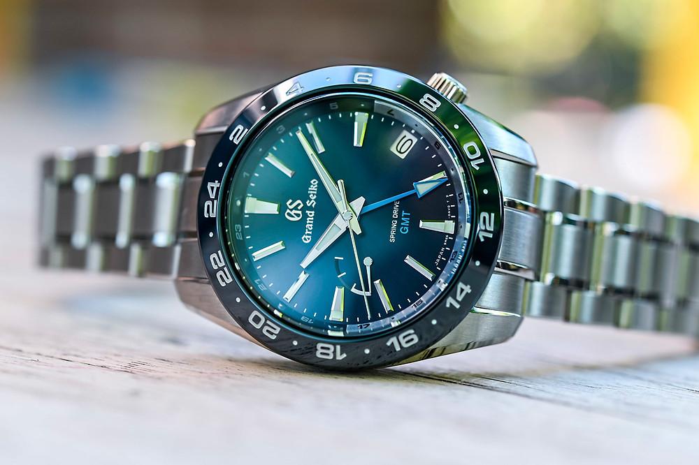grand-seiko-sbge255g-spring-drive-gmt-diver-blauw