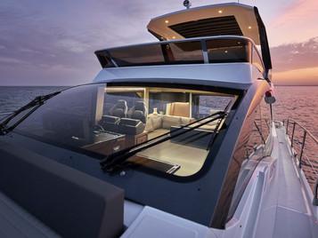 "Yate Astondoa 52 Flybridge (16m). Un ""made in Spain"" muy capaz..."