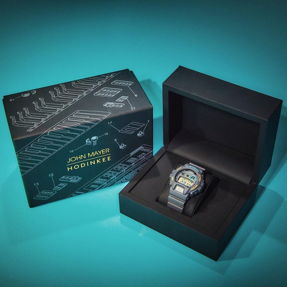 Detalle caja reloj edicion limitada hodinkee x mayers DW6900JM20-8CR