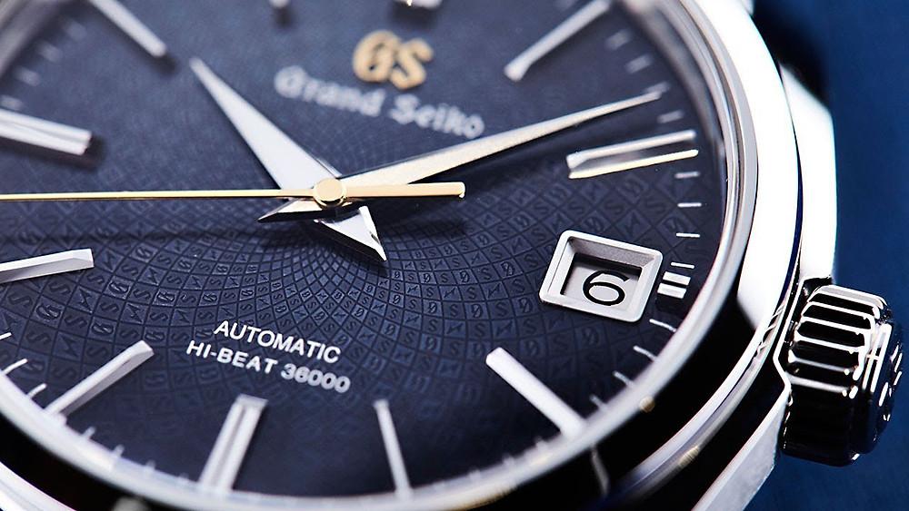 Relojes japoneses siempre marcan misma hora en imagenes oficiales