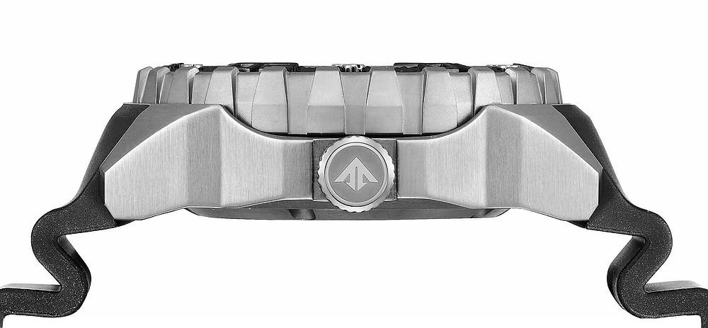 Nreloj B6004-08E detalle lateral caja super titanio impresionante reloj 2021