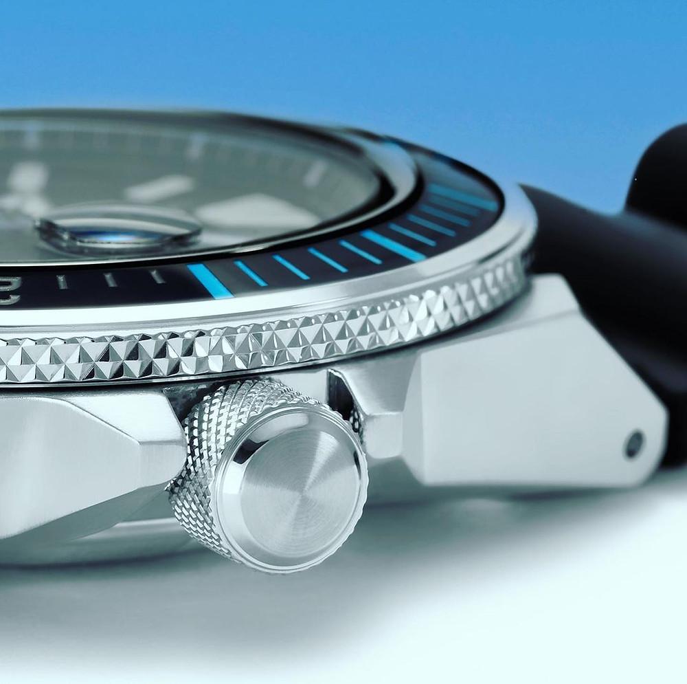 detalle corona bisel reloj diver 2021 padi samurai SRPG21K1