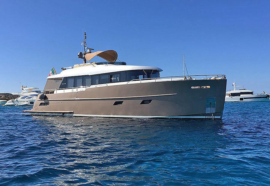 Vista proa embarcación Gamma yacht 20 de segunda mano en venta