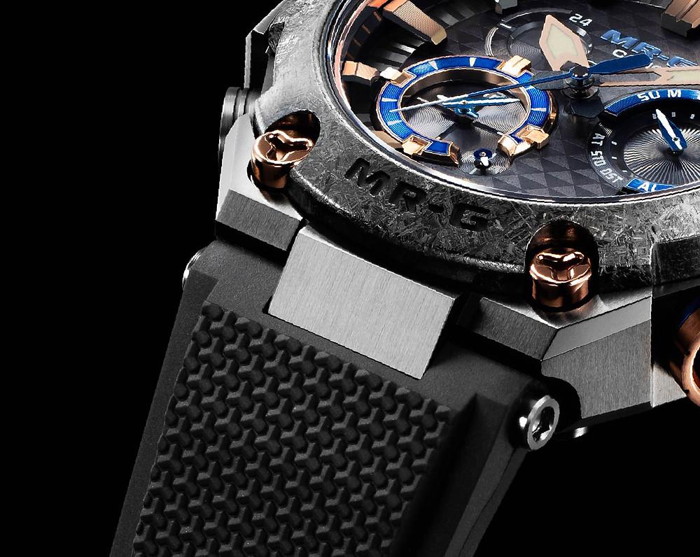 detalle correa dura-soft fluorada reloj mrg premium MRG-B2000R-1ADR