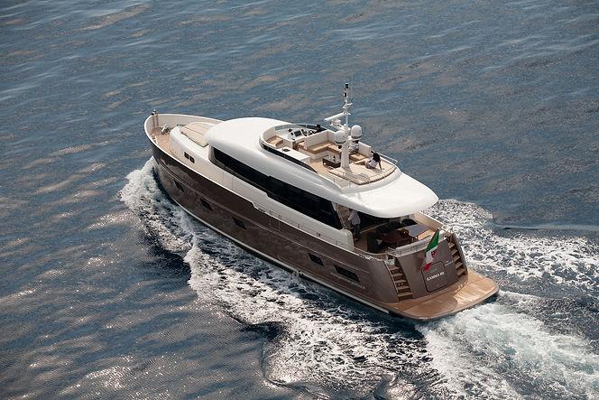 yate lujo personalizado gamma 20 sentyacht representante exclusivo España y Portugal