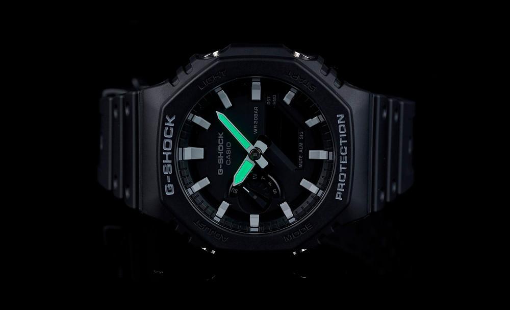 foto detall agujas reloj con lumibrite de Casio, modelo GA21001AER