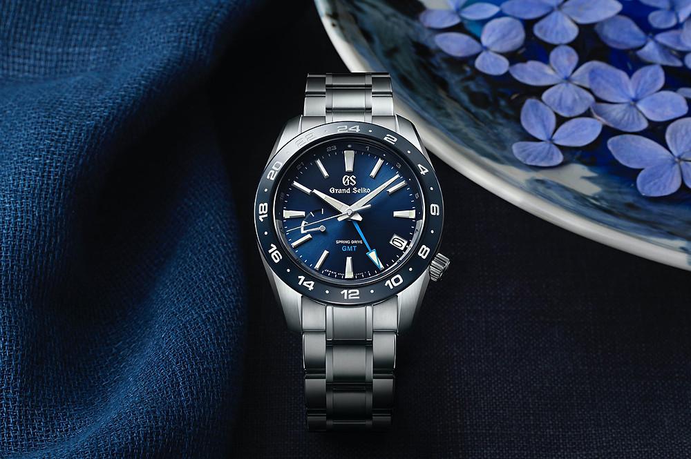 reloj-grand-seiko-gmt-bisel-ceramico-azul-SBGE255G