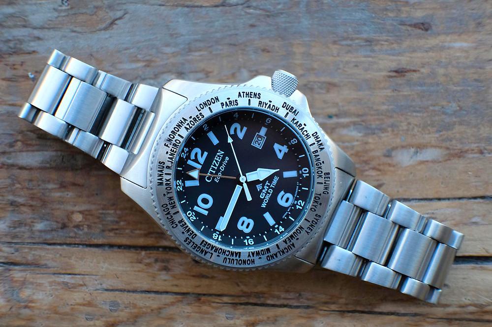 Reloj japonés solar y GMT de acero Promaster modelo bj7100-82e