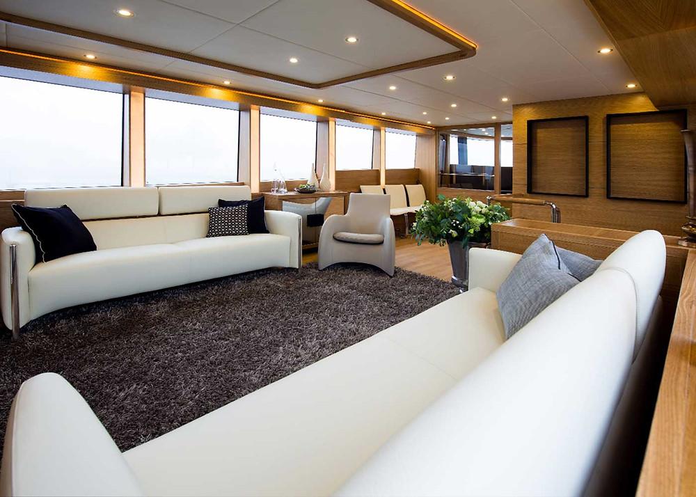 Detalle interior yate gran eslora Gamma Yachts 20 de  22 metros nuevo