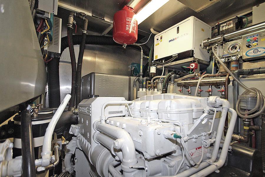 Detalle motor Gamma 20 barco de ocasión en venta