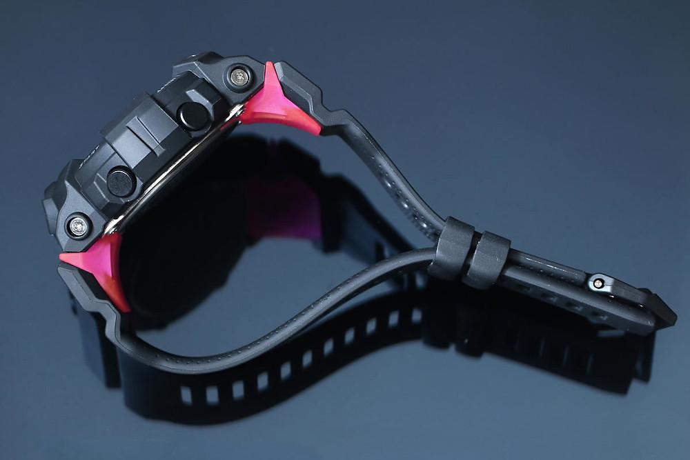 Detalle correa reloj deportivo Casio G-SHOCK ref. GMD-B800-1