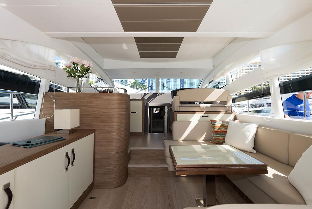 zona salon yate 44 pies rodman con 3 cabinas 2015 novedad