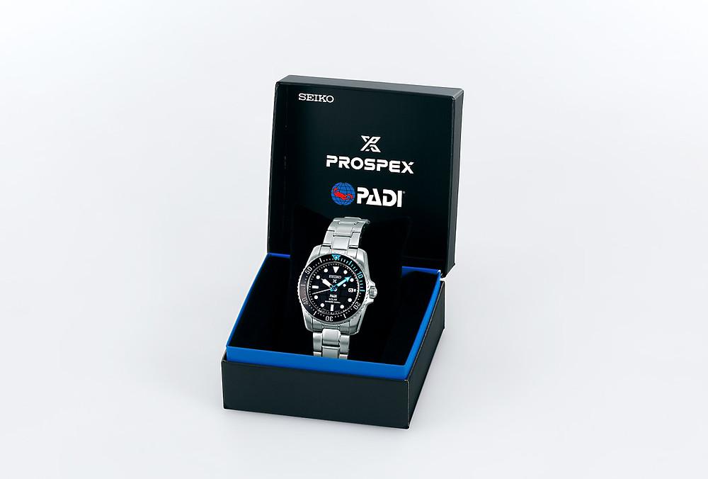detalle caja especial edicion relojes padi para SBDN073