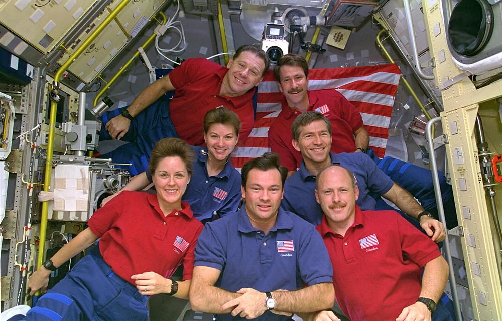 Foto equipo astronautas NASA con relojes Casio G-SHock