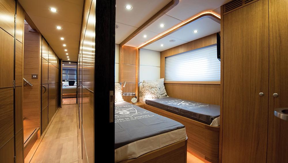 Detalle interior yate de lujo Gamma yacht 20 nuevo en venta