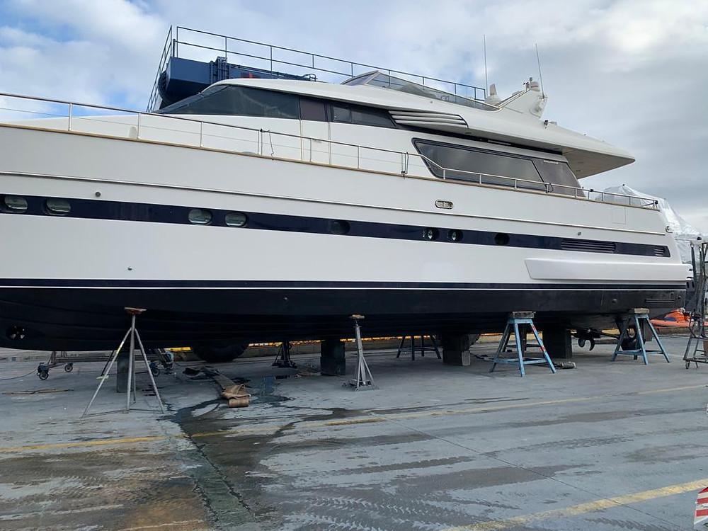 el barco que vendemos debe de estar al día de mantenimiento