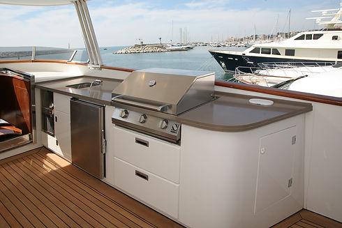 En Sent-Yacht hacemos refit de barcos, nos ocupamos de todo